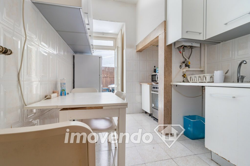 Apartment T2 in Lisboa, Anjos with 75 m<sup>2</sup> by 258.000